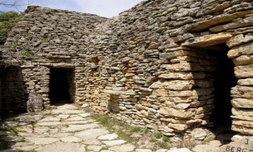 Zdjecie FRANCJA / Prowansja / Village des Bories / Kamienna wioska