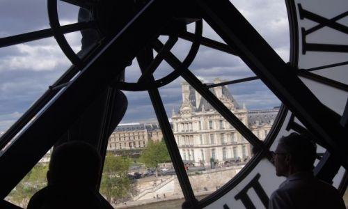 Zdjecie FRANCJA / - / Paryż / Paryż zza zegara Muzeum D^Orsay