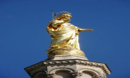 Zdjecie FRANCJA / Prowansja / Awinion / Figura Notre Dame des Doms