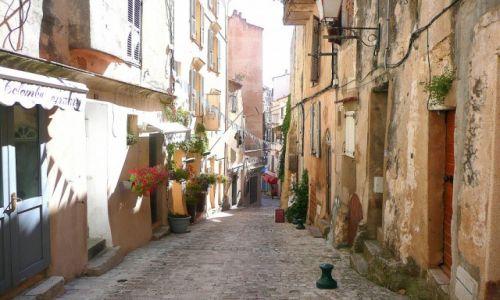 Zdjecie FRANCJA / Korsyka / Bonifaccio / uliczka