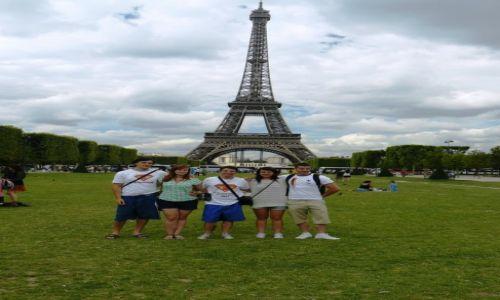 Zdjecie FRANCJA / - / Paryż / Ekipa Tripowozu w Paryżu