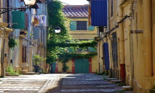 Zdjęcie FRANCJA / Prowansja / Arles / Arles, uliczka