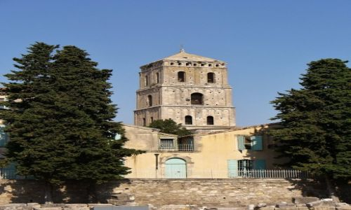 FRANCJA / Prowansja / Arles / Arles, wieża st. Trophime