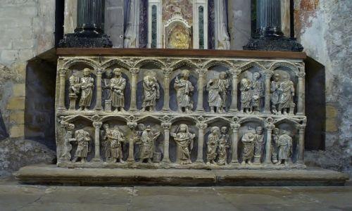 FRANCJA / Prowansja / Arles / Arles, st. Trophime- sarkofag z IV w.