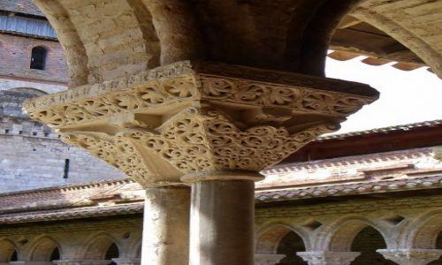 Zdjecie FRANCJA / Midi Pyrenees / Moissac / Moissac, opactwo św. Piotra- krużganki