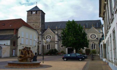 FRANCJA / Haute-Pyrenees / Tarbes / Tarbes, kościół św. Jana