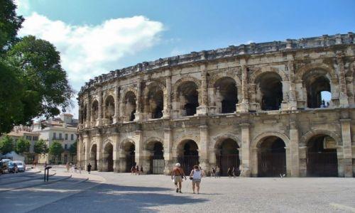 FRANCJA /  Langwedocja-Roussillon / Nimes / Nimes, cyrk antyczny