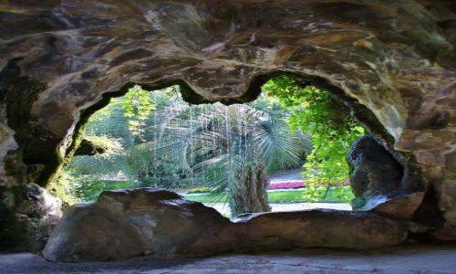 Zdjęcie FRANCJA / Langwedocja-Roussillon / Nimes / Nimes, park