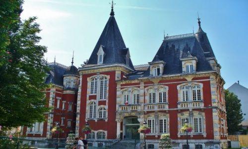 FRANCJA / Haute Pyrenees / Lourdes / Lourdes, siedziba mera miasta