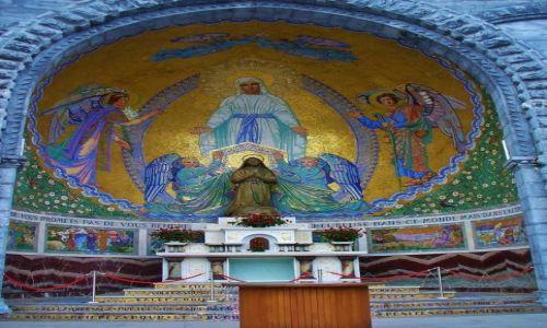 FRANCJA / Haute Pyrenees / Lourdes / Lourdes, kaplica św. Bernadetty