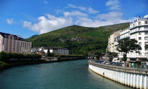 FRANCJA / Haute Pyrenees / Lourdes / Lourd, widok miasta