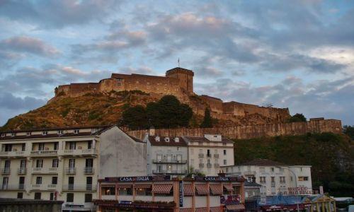 FRANCJA / Haute Pyrenees / Lourdes / Lourdes, chateau fort