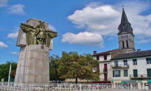 FRANCJA / haute pyrenees / Lourdes / Lourdes, centrum miasta