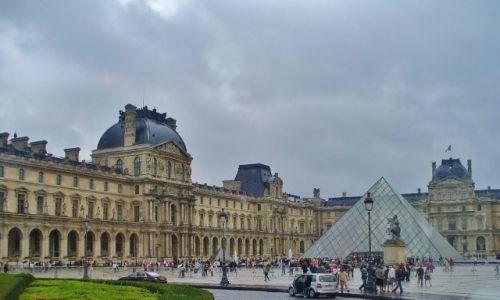Zdjęcie FRANCJA / Ile de France / Paryż / Paryż, Luwr