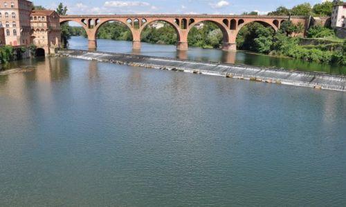 Zdjecie FRANCJA / Midi-Pyrénées / Albi / Albi, widok z mostu na most, Tarn