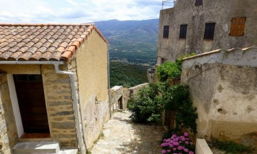 Zdjecie FRANCJA / Korsyka / Sant Antonino / zaułki Sant Antonino