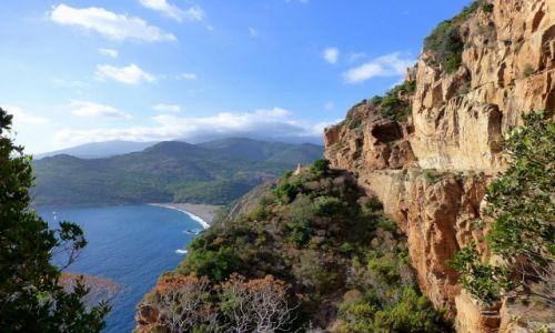 FRANCJA / Korsyka / zachodnie wybrzeże Korsyki / droga na półce skalnej - D81