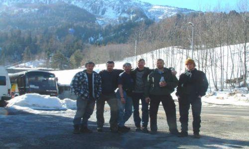 FRANCJA / brak / parking w Les Houches / uczestnicy wyprawy - od lewej
