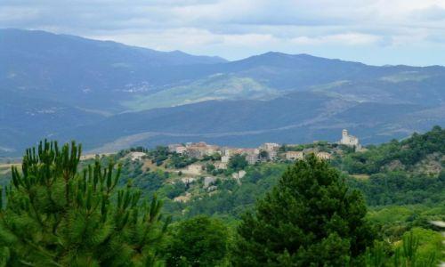 Zdjęcie FRANCJA / Korsyka / w głębi wyspy / w drodze powrotnej, kolejna osada