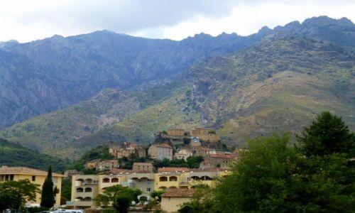 Zdjęcie FRANCJA / Korsyka / okolice Corte / Corte po raz drugi - teraz z daleka