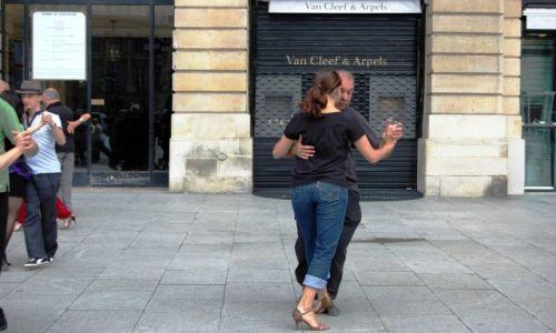 Zdjecie FRANCJA / PARYŻ / ulica / Tango w Paryżu