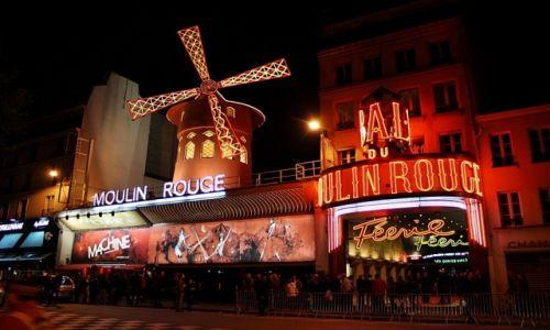 Zdjecie FRANCJA / Paryż / przed Moulin Rouge / wycieczka do Moulin Rouge
