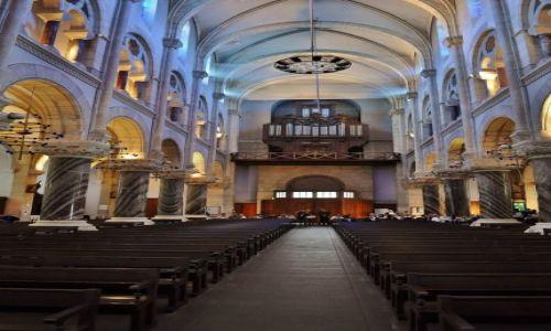 Zdjęcie FRANCJA / Midi-Pyrénées / Lourdes / Lourdes, kościół parafialny