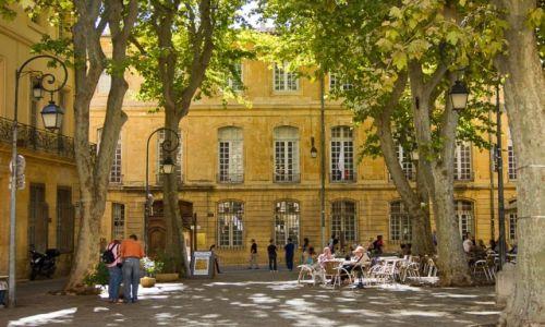 Zdjęcie FRANCJA / Prowansja / Aix en Provence / Placyk w Aix