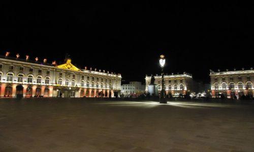 Zdjęcie FRANCJA / Lotaryngia / Nancy / Place Stanislas nocą
