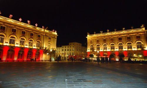 Zdjęcie FRANCJA / Lotaryngia / Nancy / Place Stanislas nocą (2)
