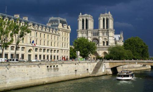 Zdjęcie FRANCJA / Paryż / Paryż / przed burzą