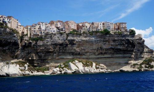 Zdj�cie FRANCJA / Korsyka / Bonifacio / Domy na klifie