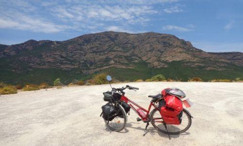 FRANCJA / Korsyka. / Parc Naturel Regional de Corse / Rowerem na Korsyce.