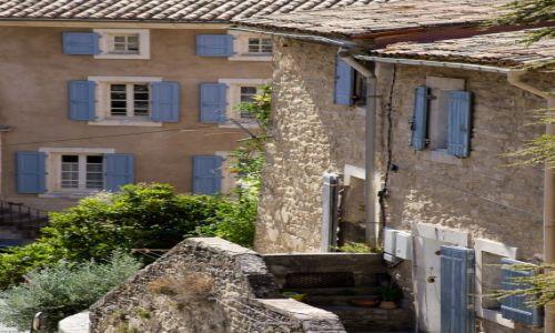 Zdjęcie FRANCJA / Prowansja / Bonieux / Okna