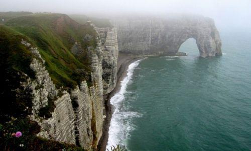 Zdjęcie FRANCJA / Normandia / Etretat / we mgle...