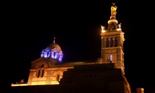 Zdjęcie FRANCJA / Prowansja / Marsylia / Bazylika Notre Dame nocą