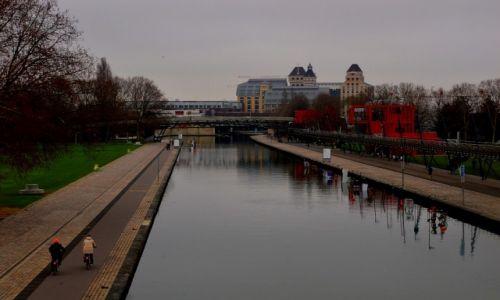 Zdjęcie FRANCJA / Francja / Paryż / Parc de la Villette