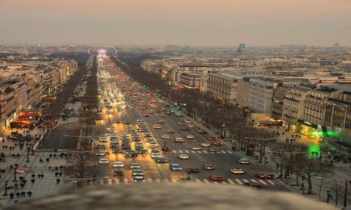 FRANCJA / - / Paryż / Champs Elysees