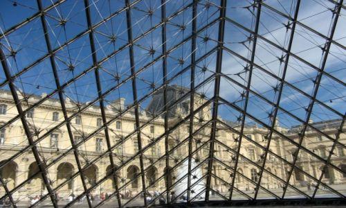 Zdjecie FRANCJA / Ile-de-France / Paryż / Zza piramidy