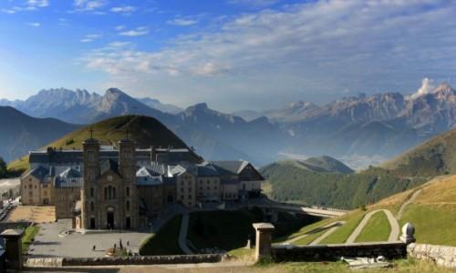 Zdjecie FRANCJA / Alpy Delfinackie / Sanktuarium MB na La Salette / La Salette