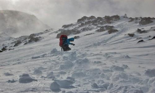 Zdjecie FRANCJA / Alpy Graickie - masyw Mont Blanc / Desert de Pierre Ronde / Przywaliło solidnie!