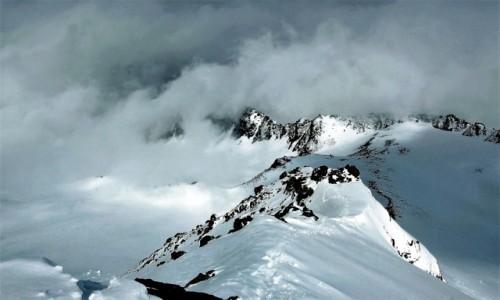 Zdjecie FRANCJA / Alpy Graickie - masyw Mont Blanc / Desert de Pierre Ronde / Alpejski sztorm nie odpuszcza!