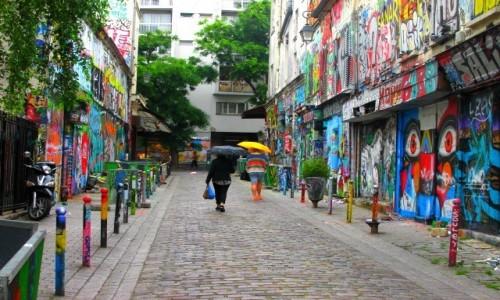Zdjecie FRANCJA / - / Paryż / Rue Denoyez - Belleville