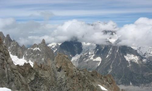 FRANCJA / Alpy / Masyw Mont Blanc / Widok z kolejki mi�dzy Aiguille du Midi a Helbronner
