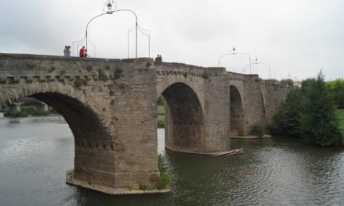 Zdjecie FRANCJA / Langwedocja-Roussillon / Carcasonne / Most do Carcaso