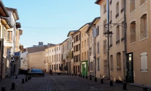 FRANCJA / Lotaryngia / Nancy / wiele tu spokojnych uliczek...