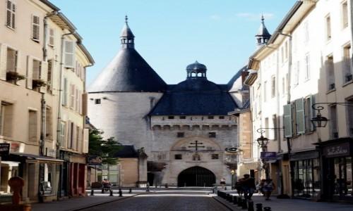 Zdjecie FRANCJA / Lotaryngia / Nancy, Porte de la Craffe / r�n� pe�ni�a r