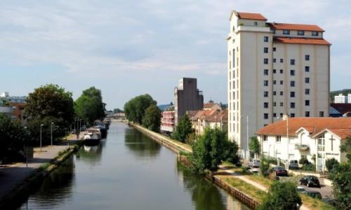 Zdjecie FRANCJA / Lotaryngia / Nancy - kanał Marna-Ren / nad kanałem Mar