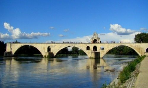 Zdjęcie FRANCJA / Prowansja / Avignon- Pont Saint-Bénézet / Na moście w Avignon