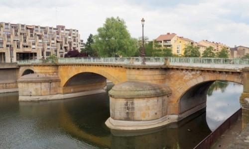 Zdjęcie FRANCJA / Lotaryngia / Metz / nad Mozelą...